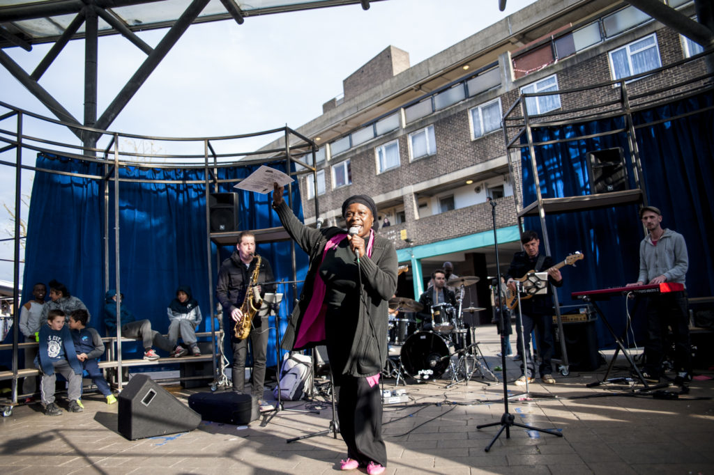 Karaoke at the Market, The Chrisp Street Market Show, London, UK, 12/04/2014 © Dosfotos